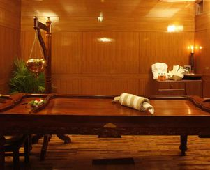 Wooden Table for Ayurvedic Treatments